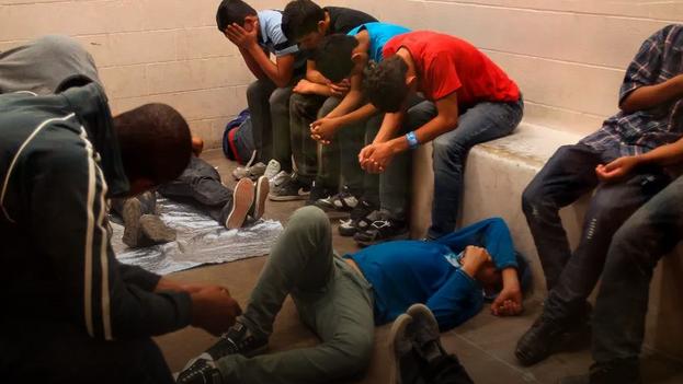 En los últimos meses ha aumentado notablemente el número de inmigrantes indocumentados detenidos en la frontera de Estados Unidos tras cruzar ilegalmente la línea divisoria con México. (EFE)