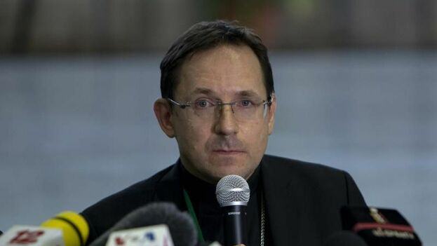 En la imagen, el nuncio apostólico Waldemar Stanislaw. (EFE)