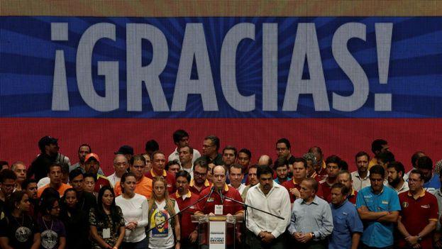 La oposición agradece la participación a los ciudadanos que votaron en su consulta. (@JulioBorges)
