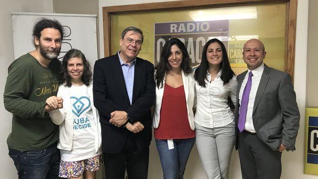 Los opositores presentaron también en un programa de radio el código de derechos y libertades que proponen para Cuba. (Cubadecide)