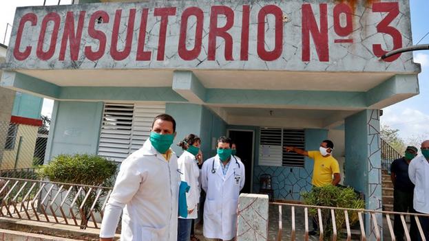 Con el deceso anunciado este sábado, un cubano de 53 años con padecimientos anteriores, ya suman 125 los fallecidos con coronavirus en el país. (EFE/ Ernesto Mastrascusa)