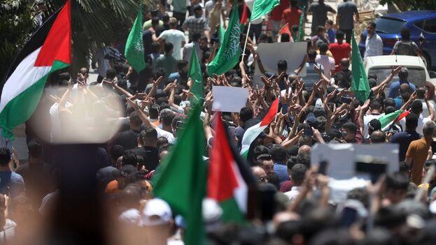 Para muchos palestinos, el caso de Nizar marca un punto de inflexión que ha llegado a reclamar la caída del régimen. (EFE)