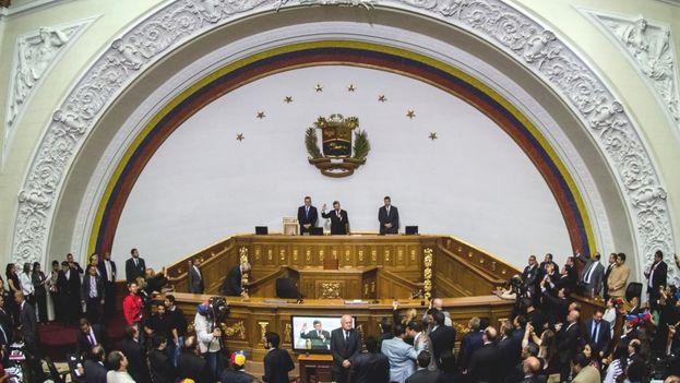 El parlamento venezolano está compuesto en su mayoría por opositores al régimen de Maduro. (EFE)
