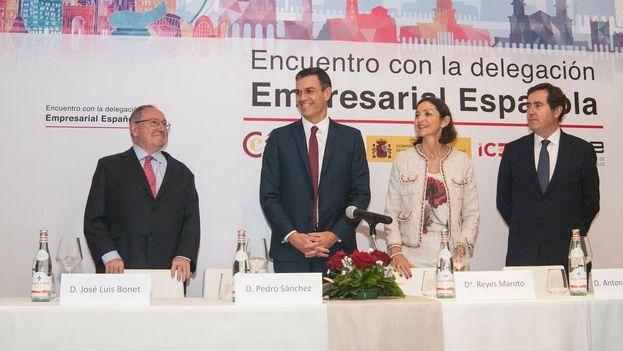 Poco antes de participar en ese foro, Pedro Sánchez se había reunido con empresarios españoles a los que trasladó que Díaz-Canel le expuso este jueves el compromiso de intentar solucionar el problema de los impagos. (EP)