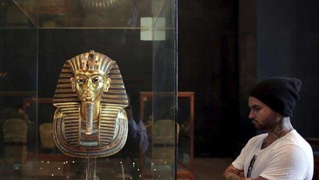 """Todos los grandes hallazgos pertenecientes al faraón, que reinó un breve periodo de tiempo entre 1332 y 1323 a.C. aproximadamente, serán trasladados a la gran edificación, que promete """"contribuir al regreso del turismo"""". (EFE)"""