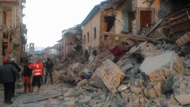 El terremoto de 6,0 grados se produjo a las 03.36 hora local cerca de la población de Accumoli, en la provincia de Rieti. (@CIS0M)