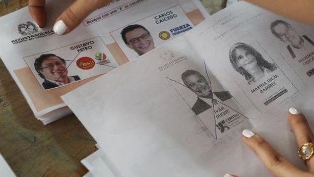 La nota polémica en la jornada se produjo cuando el Gobierno tuvo que autorizar el uso de fotocopias para votar. (Twitter)