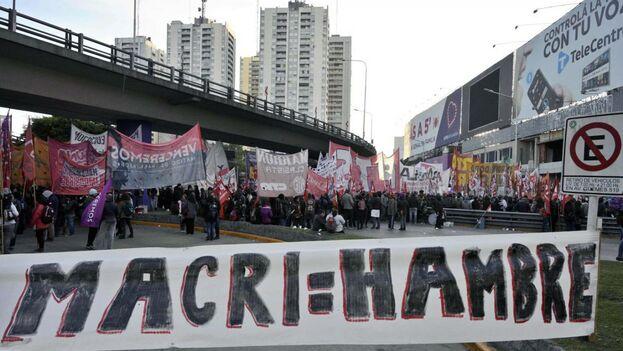 La de ayer es la quinta huelga contra las políticas de Macri en un año marcado por la crisis y las elecciones. (EFE)