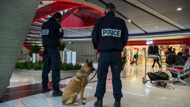 La presencia policial aumentó en Francia tras los atentados de noviembre de 2015. (EFE)