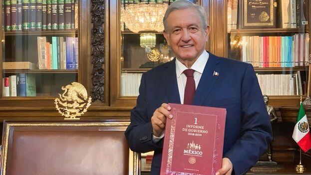 El presidente mexicano entregó su primer informe al Congreso, aunque lo calificó de tercero por haber explicado su acción de Gobierno a los cien días de este y en el aniversario de su elección. (@lopezobrador_)
