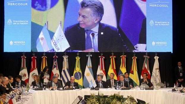 """El presidente argentino, Mauricio Macri, """"viene a despedirse"""" y cinco días después de la cumbre asumirá Fernández. (EFE/Archivo)"""