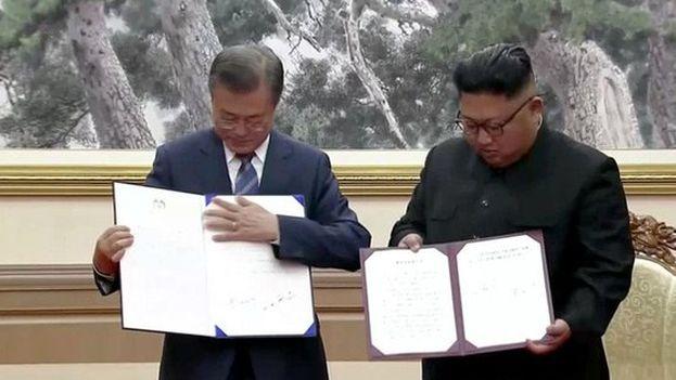 Los presidentes de las dos coreas rubricaron este miércoles acuerdos encaminados a rebajar la tensión de dos países técnicamente aún en guerra. (EFE)