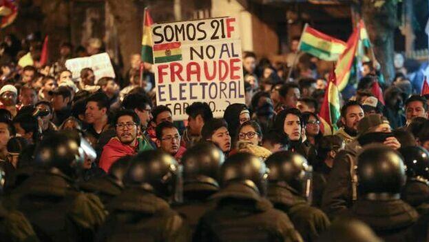 El presunto fraude de las anteriores elecciones provocó la crisis política en el país a finales del pasado año. (EFE)