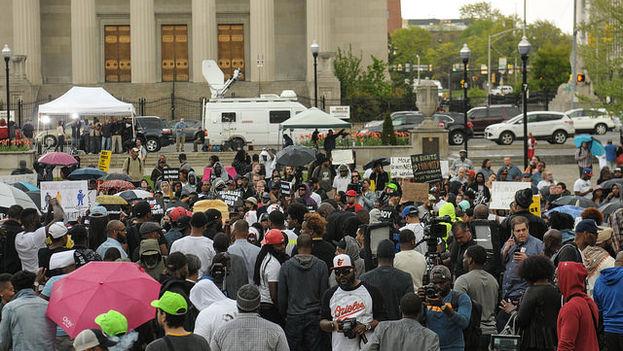 Las protestas pacíficas continúan en una Baltimore tomada por la policía y la guardia nacional. (Maryland National Guard/Flickr)