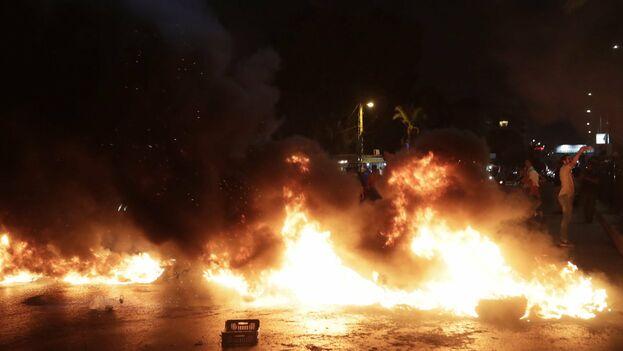 Las protestas en Líbano se han desatado por la pretensión de imponer una tasa a las llamadas en redes sociales.