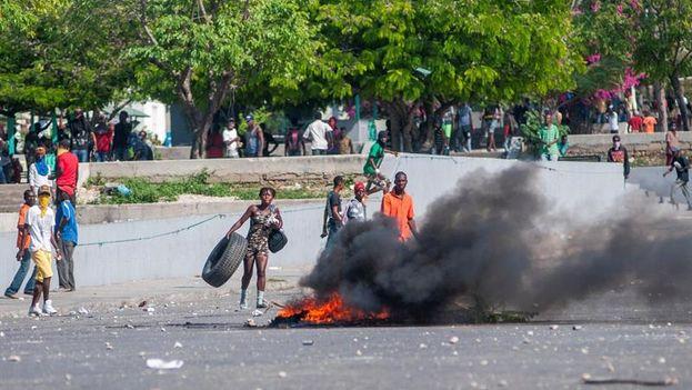 El inicio de las protestas coincidió con el segundo aniversario de la llegada al poder de Jovenel Moise. (EFE)