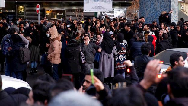 Las protestas multitudinarias comenzaron este sábado en Teherán debido al derribo de un avión ucraniano por un misil iraní. (EFE)