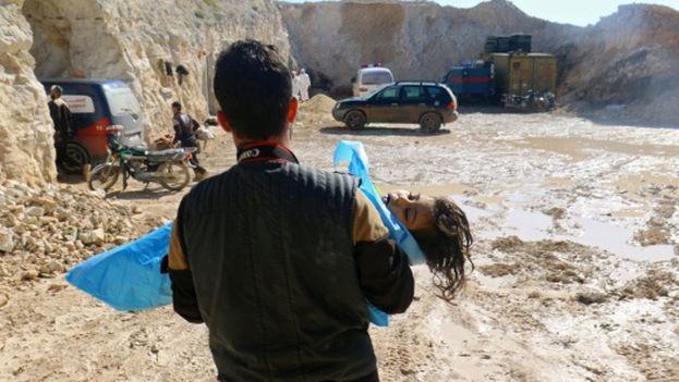 El ataque con armas químicas causó la muerte de numerosas personas, entre ellos niños. (EFE)