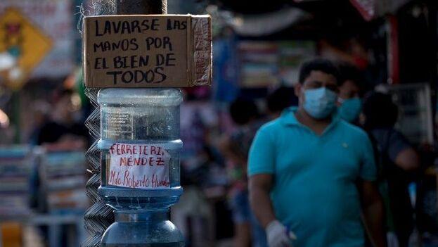 Muchos nicaragüenses han decidido actuar por su cuenta con base en las recomendaciones de la Organización Mundial de la Salud. (EFE)