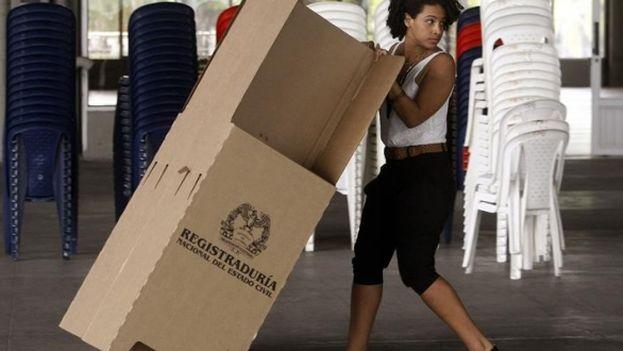 A esta hora se termina el recuento de las boletas en el plebiscito colombiano. (EFE)