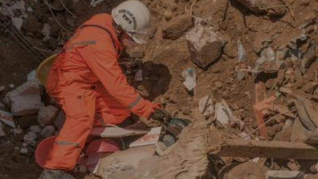 Los trabajos de recuperación de desaparecidos siguen elevando las cifras oficiales de muertos. (@ConredGuatemala)