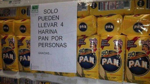 La escasez ha llevado a la regularización de productos de alimentos en Venezuela. (Twitter)