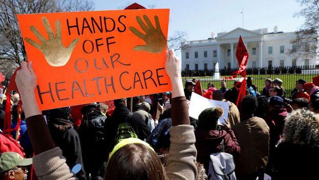 La ley republicana quitaría la cobertura médica a 14 millones de estadounidenses en tan solo un año y a 24 millones en una década según los cálculos. (Twitter)