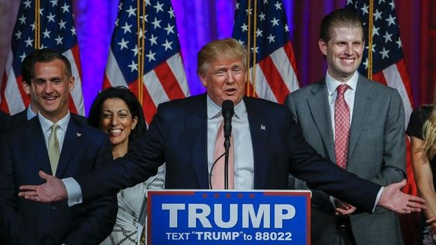 El candidato republicano Donald Trump se dirige a sus seguidores en Florida. (EFE)