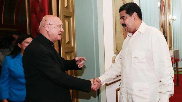 El sacerdote afirmó que si el diálogo no prospera podría extremarse la violencia en el país. (EFE)