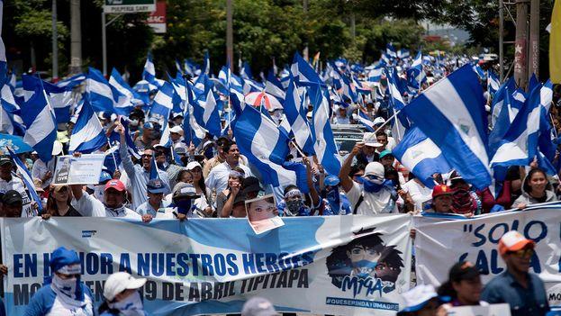 El 12 de agosto miles salieron a las calles para exigir la liberación de los presos políticos. (Carlos Herrera/Niú)
