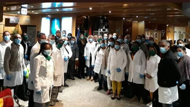 El grupo de sanitarios cubanos a su llegada a Andorra. (presidencia Cuba)