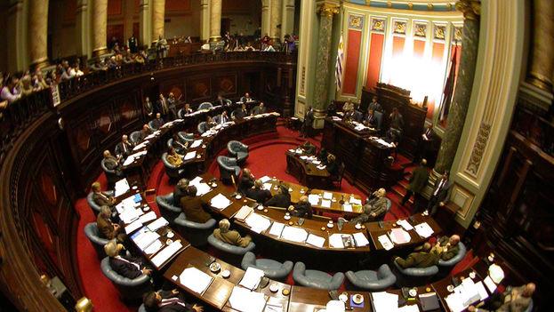 El senado uruguayo votó a favor de condonar la deuda cubana este miércoles. (CC)