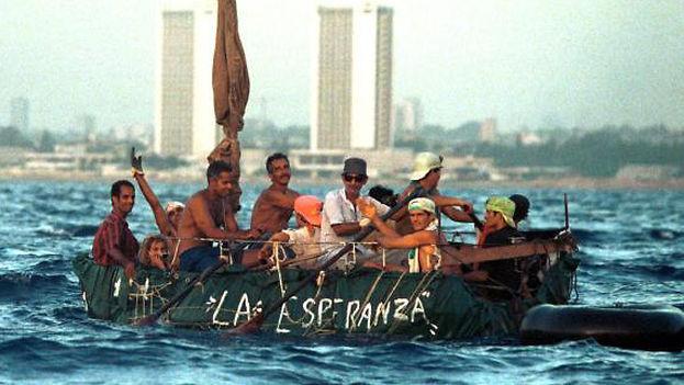 El pasado año fiscal, entre el 1 de octubre de 2015 y el 30 de septiembre de 2016, un total de 7.411 cubanos fueron interceptados en el mar por la Guardia Costera. (Archivo)