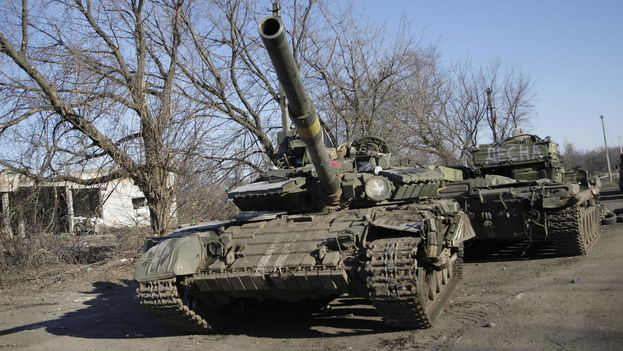 Dos tanques rebeldes cerca de Donetsk (EFE)