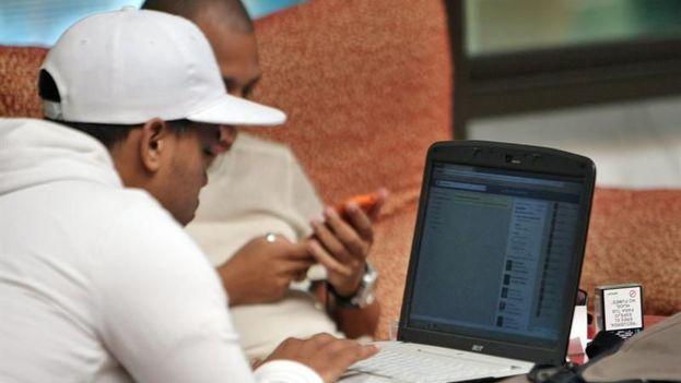 El grupo de trabajo examinará los retos tecnológicos y oportunidades de expandir el acceso a internet y a los medios independientes en la Isla. (EFE/Archivo)