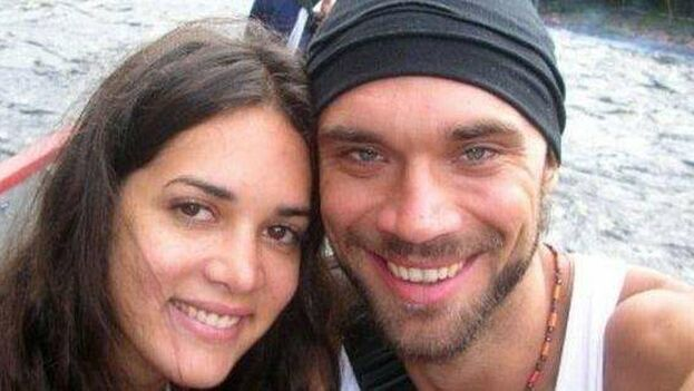 El caso más dramático para la televisión fue el asesinato el 4 de enero de 2015 de la ex-Miss Venezuela y actriz Mónica Spear y su esposo. (facebook)