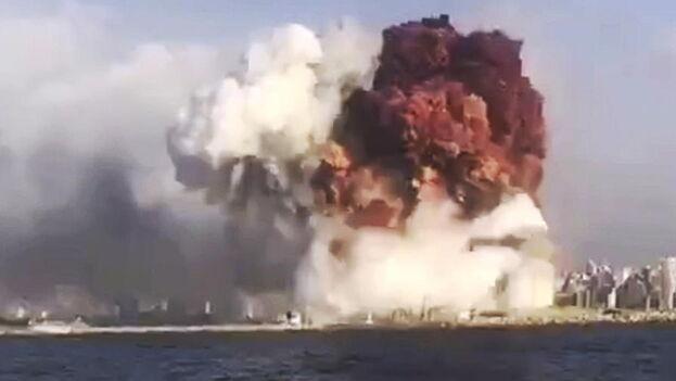 La terrorífica explosión en Beirut tuvo lugar en un almacén del puerto. (EFE)