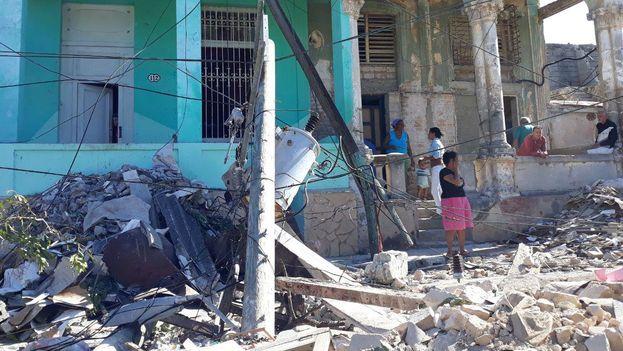 El tornado golpeó el Este de La Habana durante 16 minutos en la noche del pasado domingo, con ráfagas de viento de hasta 300 kilómetros por hora. (14ymedio)