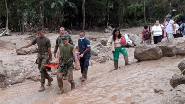 La muerte y la tragedia se ensañan con Mocoa, el pueblo devastado de Colombia. (EFE)