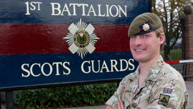La transexual Chloe Allen será la primera soldado británica en el frente de batalla. (The Sun)