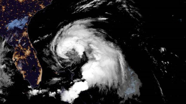 La tormenta tropical Humberto en las cercanías de las islas al norte de Bahamas. (NOAA)
