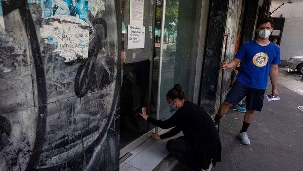 """Las autoridades venezolanas allanaron la sede de la ONG Convite bajo la acusación """"de delitos asociados al terrorismo"""". (EFE/Rayner Peña/Archivo)"""