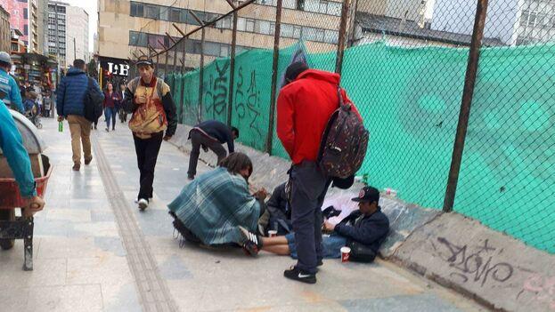 Algunos venezolanos solo pueden sobrevivir gracias a la caridad pública. (14ymedio)