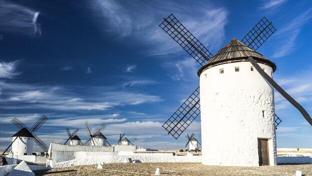Castilla La Mancha es conocida tierra de molinos, como inmortalizó Cervantes en el Quijote. (Pixabay)