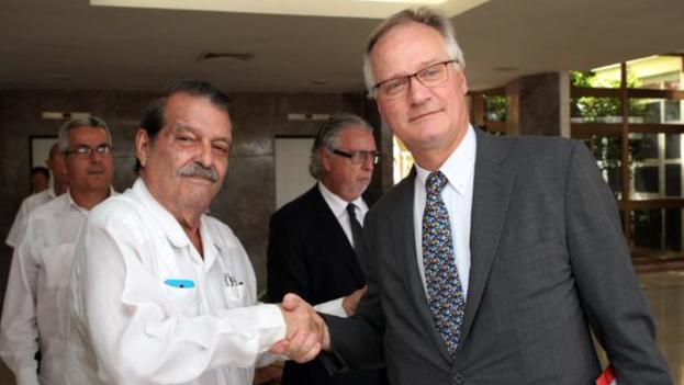 Abelardo Moreno y Christian Leffler durante la tercera ronda de negociaciones entre Cuba y la EU en La Habana (EU External Action/Twitter)