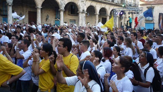 """""""Ábranse a cosas grandes. No tengan miedo"""", le dijo a los jóvenes cubanos el papa Francisco en un mensaje difundido este jueves. (14ymedio)"""