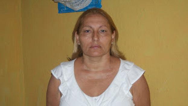 Ada López es, además de opositora y parte de Otro 18, es miembro del movimiento de bibliotecas independientes