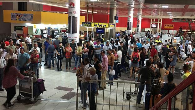 Zona de llegadas en la terminal 3 del Aeropuerto Internacional José Martí en La Habana. (14ymedio)