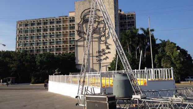 10 Altar del papa en la Plaza de la Revolución. (Luz Escobar)