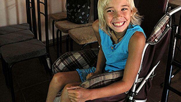 La niña ucraniana Ana Vasilenko, víctima del accidente nuclear de Chernobil. (Archivo EFE)